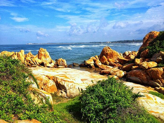 Bãi đá ở mũi Kê Gà