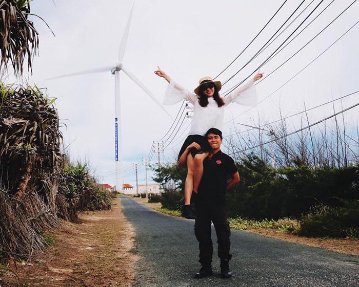 Đường lên Phong Điện trên đảo Phú Quý