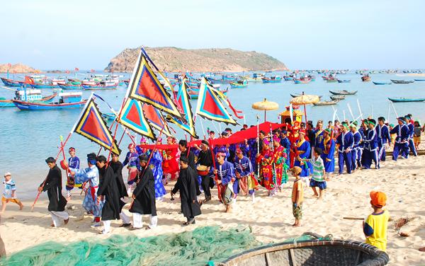 Lễ Hội Cầu Ngư ở Thai Dương Hạ (Huế): 12 tháng Giêng