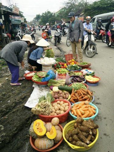 Chợ Gia Lạc ngày Tết