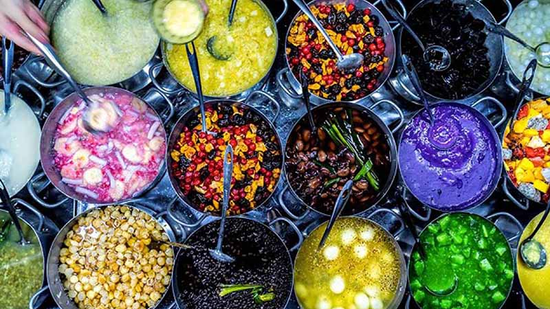 Các món chè nổi tiếng ở trong hẻm ở Huế