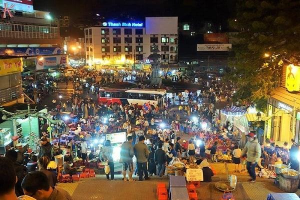 Chợ Đà Lạt về đêm