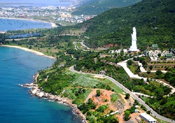 Bán đảo Sơn Trà nhìn từ xa