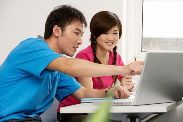 Học thêm tại nhà người học sẽ được gia sư dạy chi tiết, cụ thể hơn