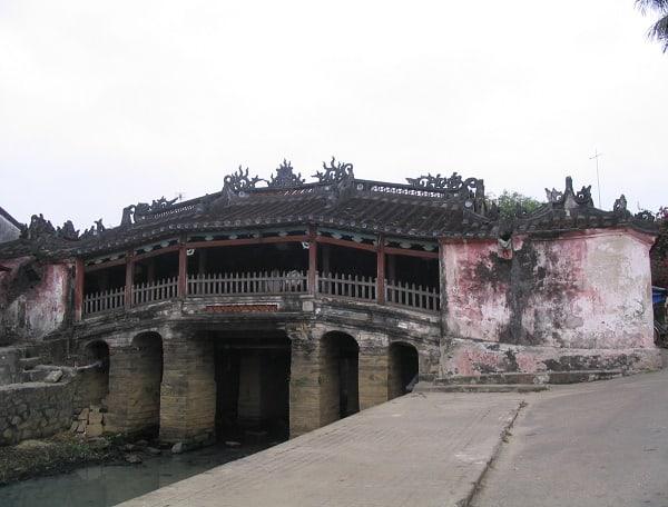 Chùa Cầu vẫn giữ được vẻ đẹp nguyên sơ