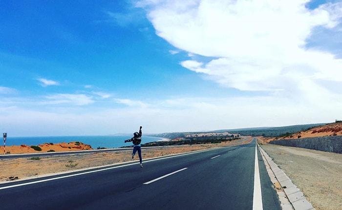Bàu Trắng - Cung đường ven biển đẹp nhất Việt Nam