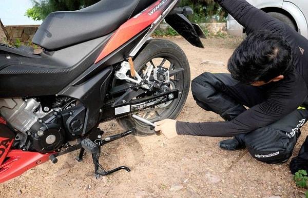 Bạn nên kiểm tra xe máy trước chuyến phượt