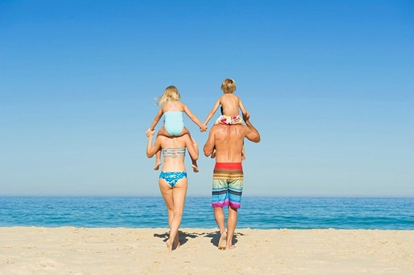 Đồ bơi - vật dụng không thể thiếu khi đi biển