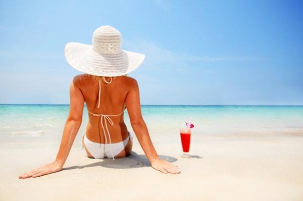 Nón đi biển - bảo vệ bạn khỏi ánh nắng gay gắt