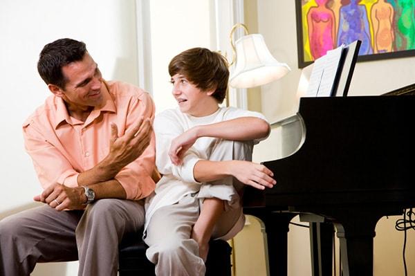 Cần dạy con những gì để tránh bị xâm hại?