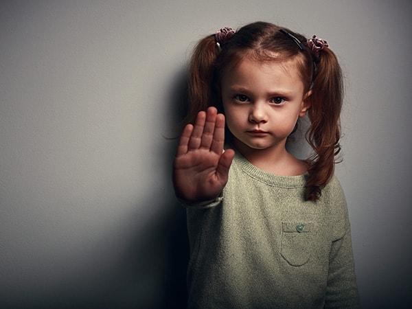 Cần dạy con những gì để tránh bị xâm hại