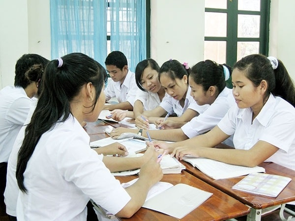 Học nhóm là phương pháp học môn Vật Lý hiệu quả