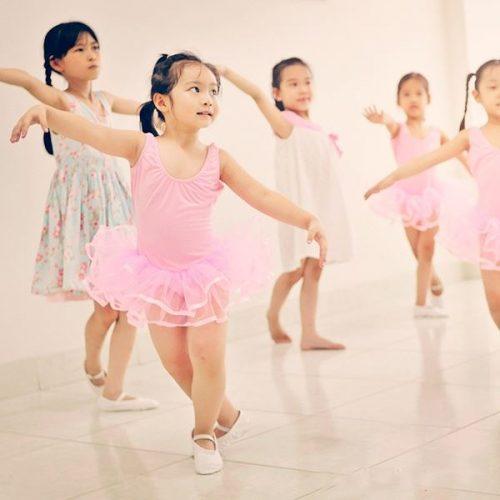 Dancesport là môn năng khiếu phù hợp với bé 4 tuổi
