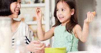 Những điều cha mẹ cần dạy con khi giao tiếp với người lạ