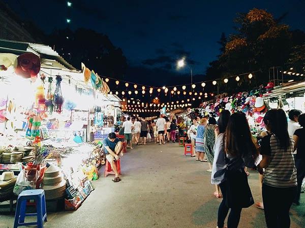 Khám phá chợ đêm khi đi du lịch Nha Trang