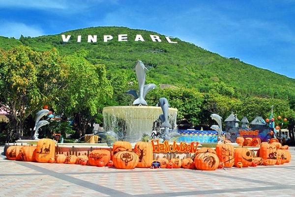 Vinpearl Land là địa điểm bạn nhất định phải đến khi tới Nha Trang