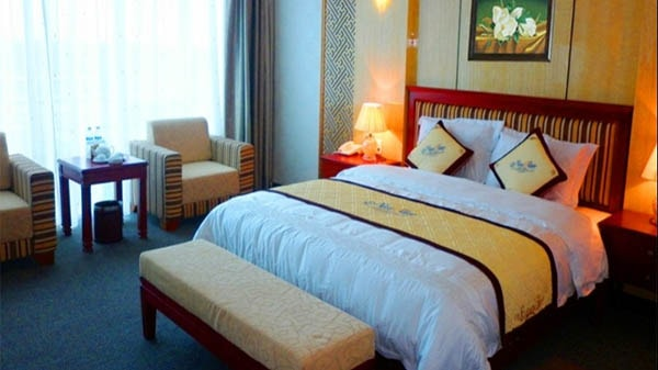 Phòng nghỉ rộng rãi thoáng mát tại khách sạn Bình Minh