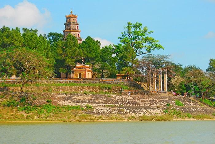 Chùa Thiên Mụ - Ngôi chùa đẹp nhất xứ Đàng Trong