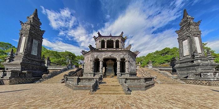 Khám phá lăng tẩm của vua triều Nguyễn