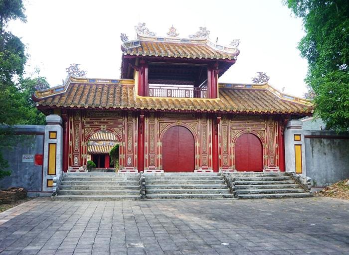 Lăng vua Gia Long - Thiên Thọ Lăng
