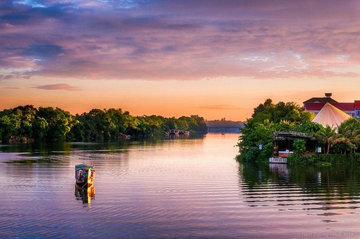 Sông Hương được coi là linh hồn của Huế