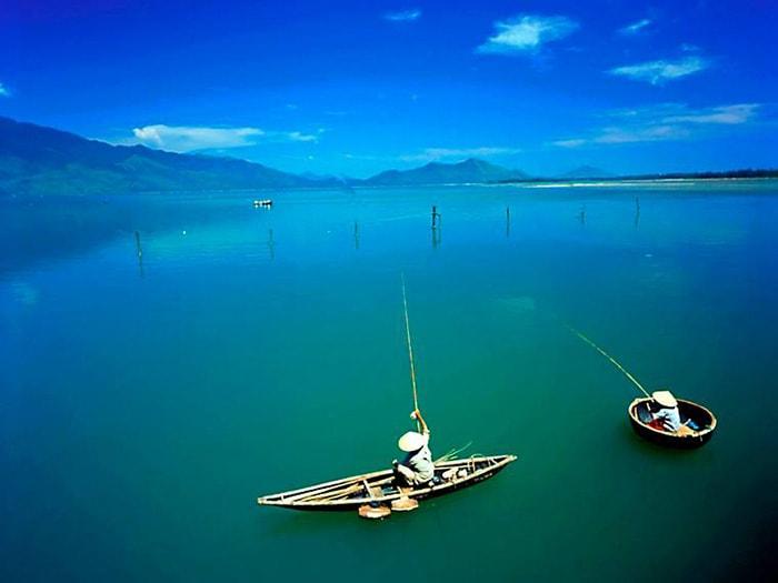 Vẻ đẹp của Vịnh Lăng Cô ở Huế