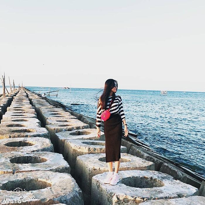 Biển Hải Dương là bãi biển còn khá hoang sơ ở Huế
