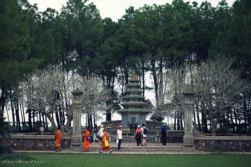 Thăm chùa Thiên Mụ