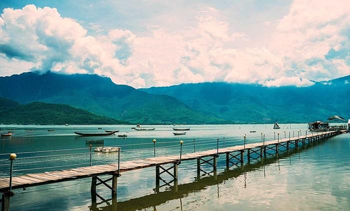 Đầm Lập An là đầm nước rất nổi tiếng ở Huế