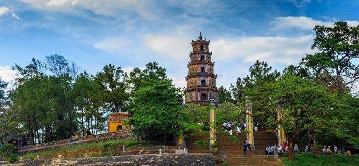 Chùa Thiên Mụ là địa điểm du lịch lý tưởng khi du lịch Huế mùa đông