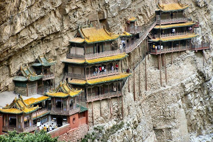 Chùa Huyền Không là địa điểm du lịch lý tưởng khi du lịch Huế mùa đông