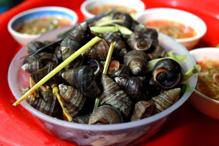 Ốc, Hến xào là món ăn nên ăn khi đi du lịch Huế mùa thu