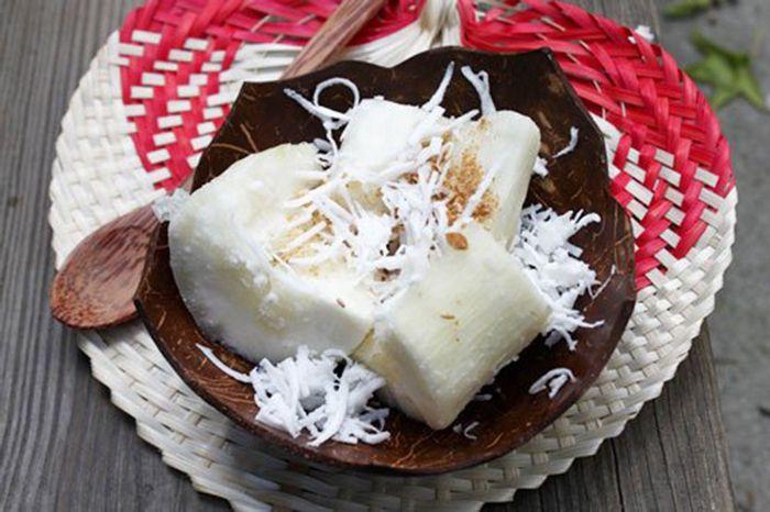 Sắn Hấp Dừa là món ăn đặc sản mùa thu ở Huế