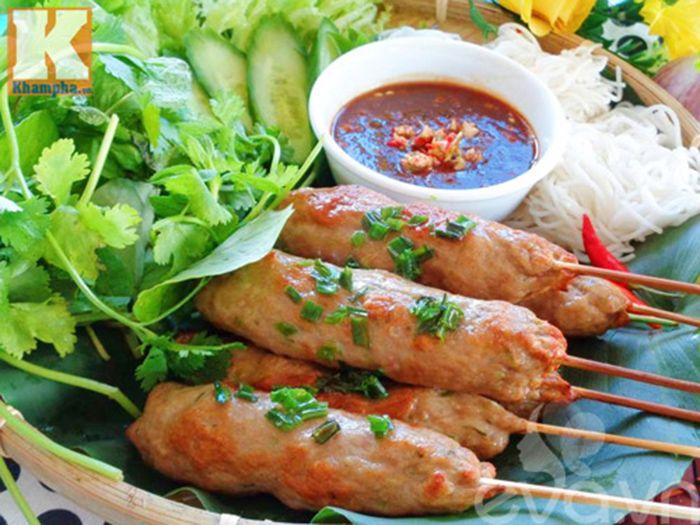 Nem Lụi là món ăn đặc sản mùa thu ở Huế