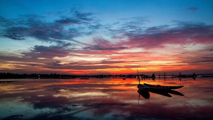 Phá Tam Giang có một vẻ đẹp rất hoang sơ và thơ mộng