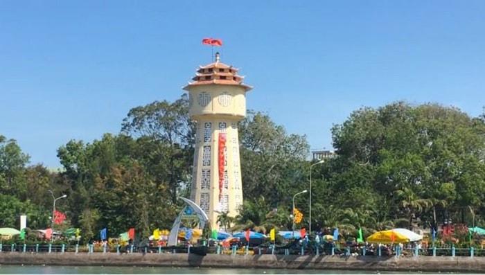 Tháp nước Phan Thiết là biểu tượng của thành phố