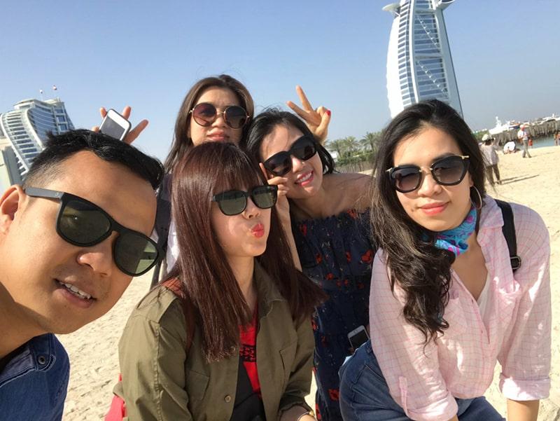 Ăn mặc kín đáo khi đến Dubai