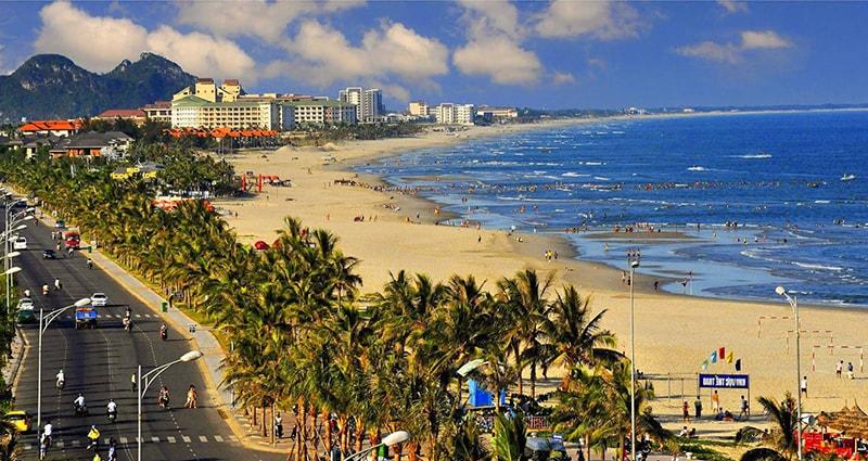 Tạp chí Forbes nhận định Mỹ Khê là 1 trong 6 bãi biển đẹp nhất hành tinh.