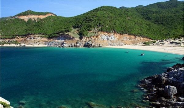 Biển Bình Tiên là 1 trong những địa điểm không thể bỏ qua ở Ninh Thuận