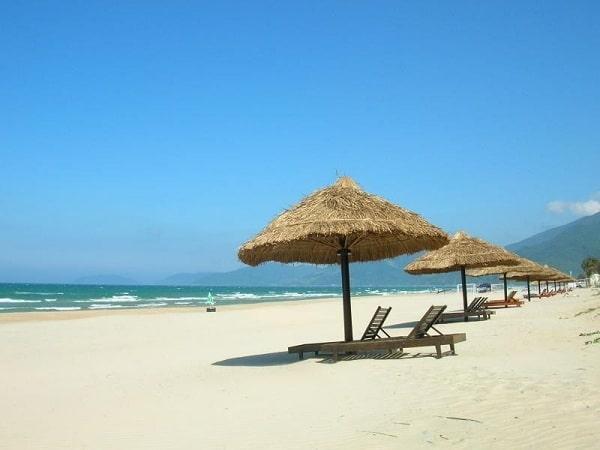 Biển Ninh Chữ là 1 trong những địa điểm không thể bỏ qua ở Ninh Thuận
