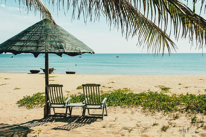 Vẻ đẹp hoang sơ của bãi biển Hà My